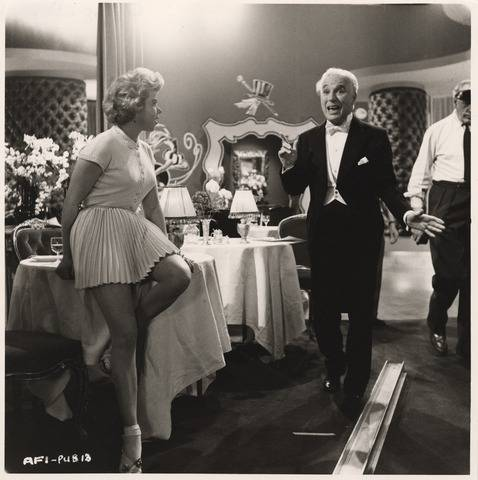 Chaplin directing Shani Wallis on the set of A King in New York